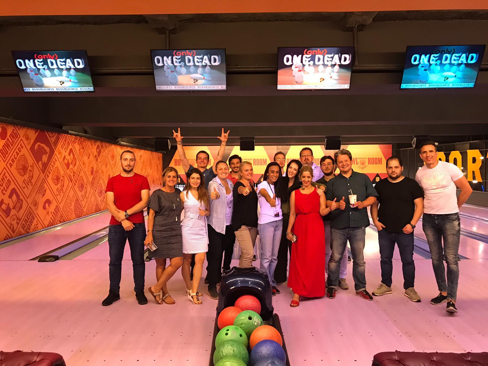kw PERA danışmanlarının bowling turnuvası